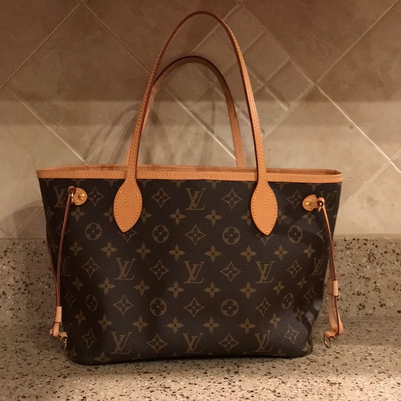 New detached tags. Louis Vuitton neverfull pm